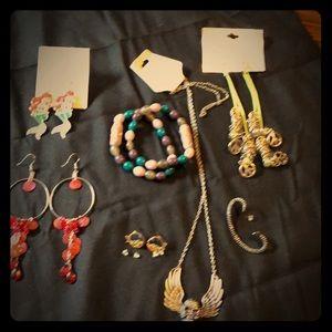 Jewelry - Lot of costume jewelry